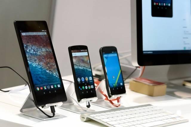 3 smartphones