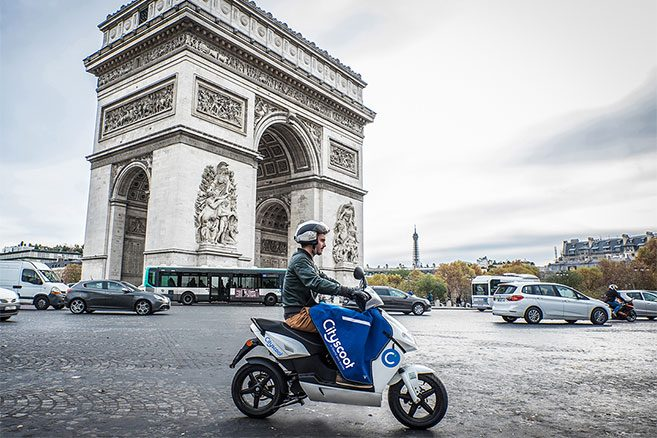 scooter propre à Paris